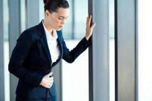 Боль в животе при эритематозной бульбопатии