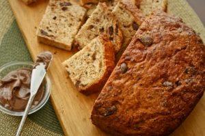 От хлеба с шоколадом может возникнуть изжога