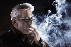 Курение между приемами пищи приводит к изжоге