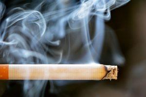Курение может спровоцировать возникновение эрозивного гастродуоденита