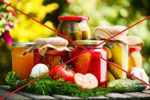 Употребление маринованной пищи в больших количествах приводит к развитию гастродуоденита