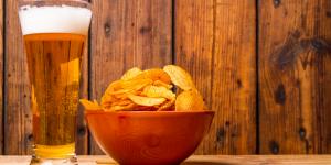 Чипсы с пивом создают эффект брожения и как результат - изжога
